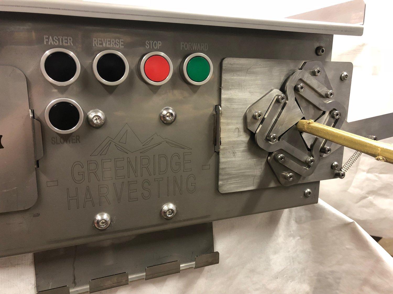 BLACK BEAR II Cannabis Bucking Machine