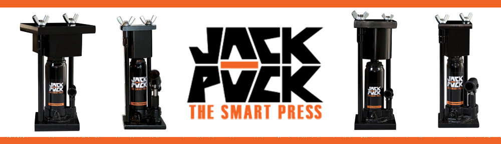 The JACK PUCK are revolutionary presses created to transform plant extracts into a compact paste and to remove excess water. The mould is dismountable, allowing it to be warmed up in the oven to improve its effectiveness. Equipped with a 2 ton or 8 ton load capacity hydraulic jack, JACK PUCKS are light and compact presses easy to carry.